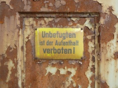 Ferropolis warning